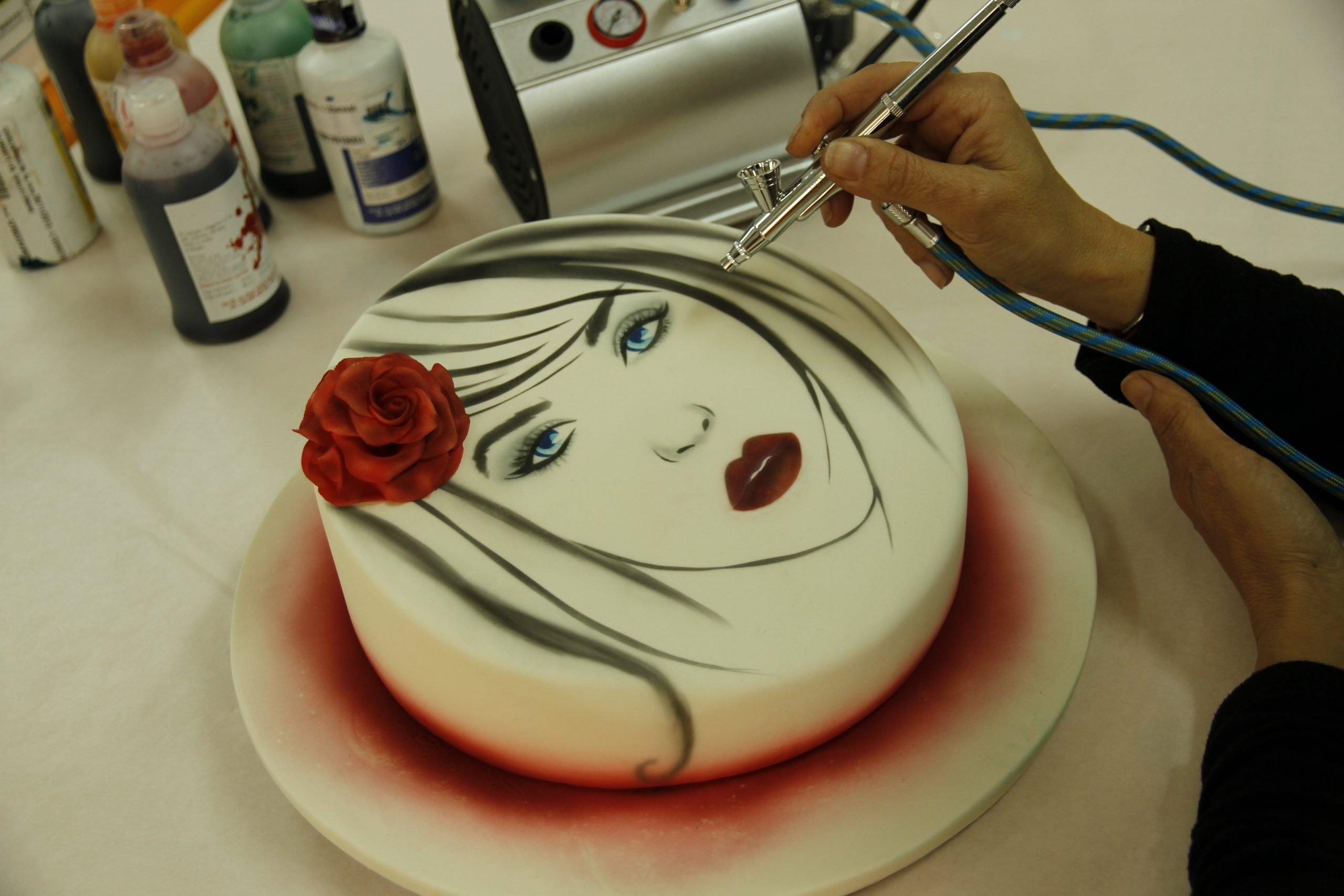 Aerografo per decorazione torte